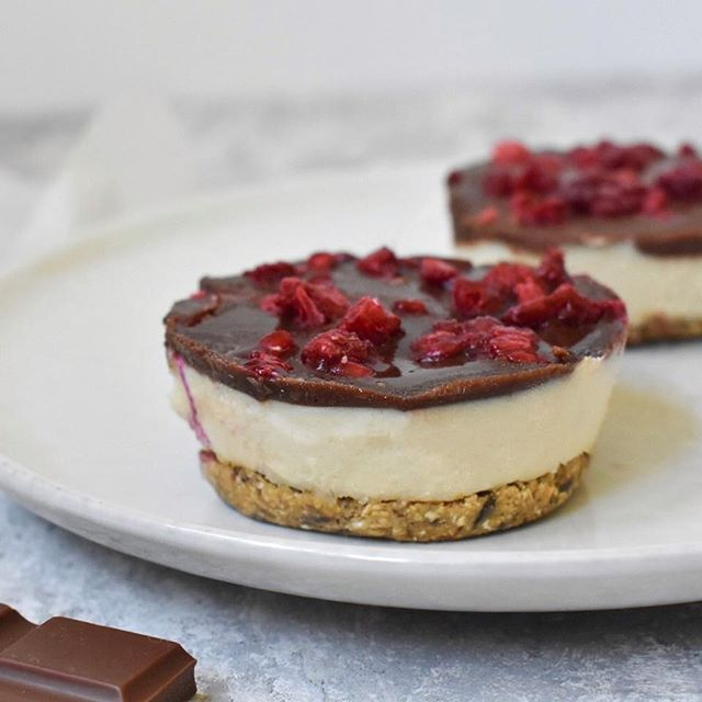 Mini vegan cheesecakes